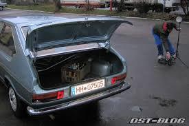 Esta é a versão duas portas do Passat B1, feito no Brasil de 1974 a 1988. A tampa não dá acesso ao interior do veículo.