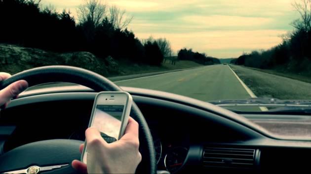 quais são as principais causas de acidentes de carro