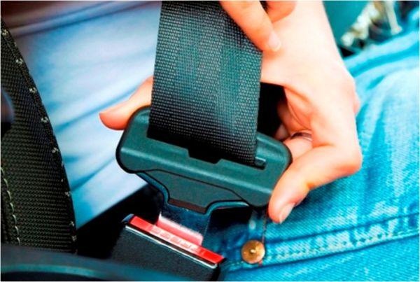 não usar cinto de segurança em carros com airbag pode causar a morte riscos