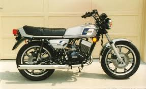 Yamaha RD 400, a