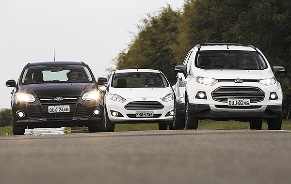 carros com mesmo motor e desempenhos diferentes