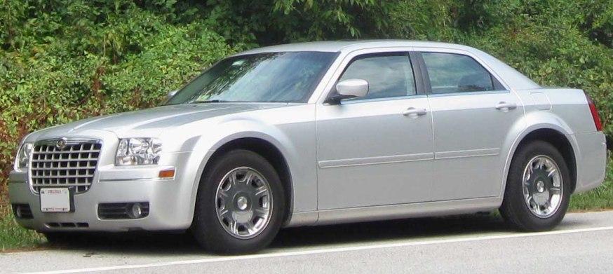 carros que farão você parecer rico R$ 50 a R$ 100 mil Chrysler 300C