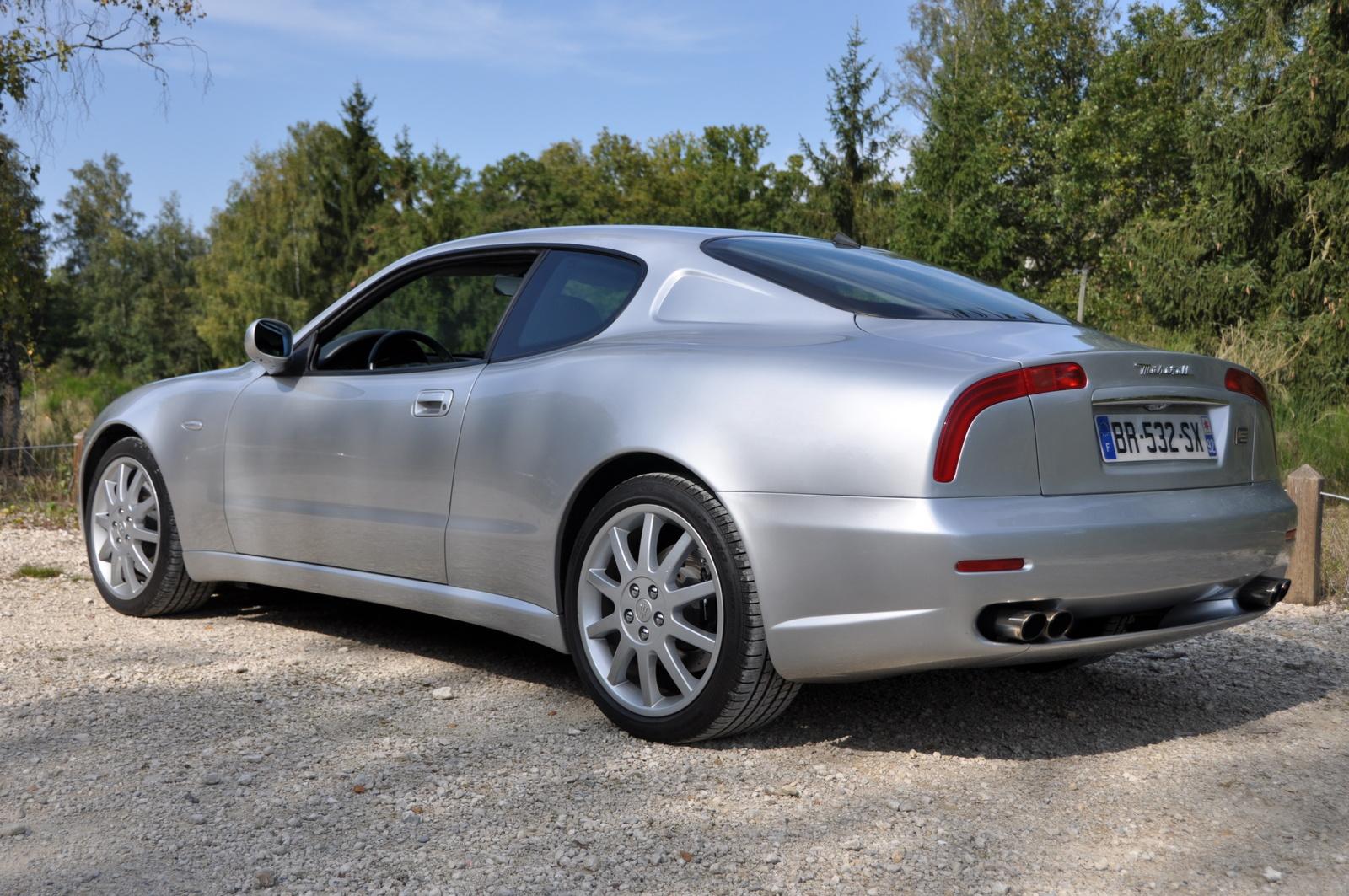 carros que farão você parecer rico de R$ 100 mil a R$ 150 mil maserati coupe 2002