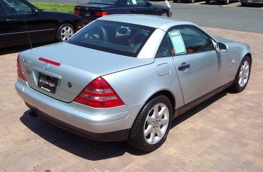 carros que farão você parecer rico R$ 50 a R$ 100 mil Mercedes SLK