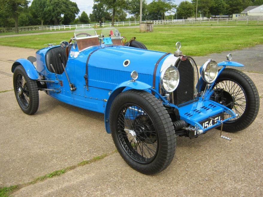 cores de carros de corrida bleu de france