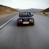 BMW Série 3 E30 frente
