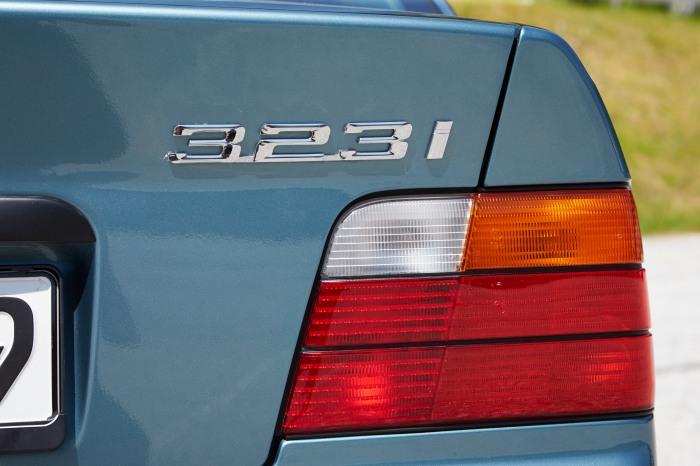 BMW 323i E36 lanterna traseira