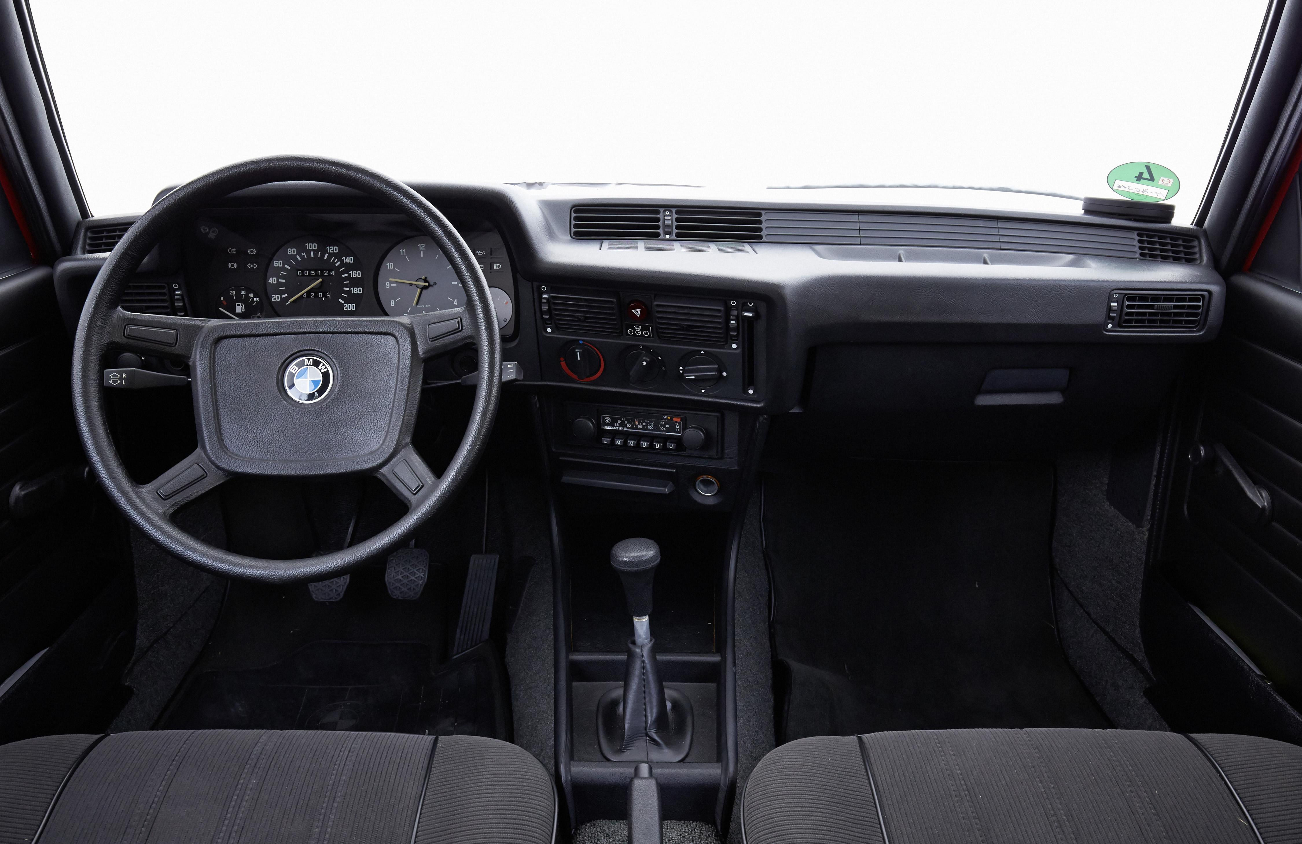 interior BMW Série 3 E21