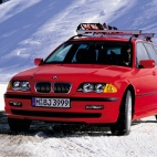 P90200636_highRes_bmw-325xi-touring-e4