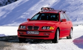 P90200636_highRes_bmw-325xi-touring-e4