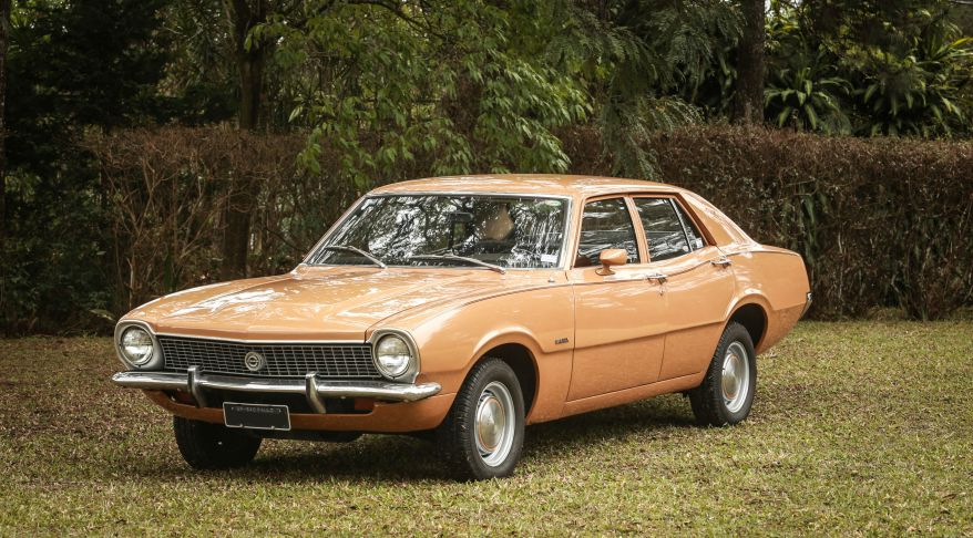 ford maverick sedan super